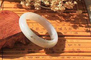 Special Pure Scattered Red Color Jadeite Jade Bangle To Collect