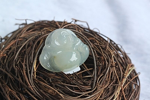 So Pure Ice Jade Buddha Pendant For Promotion