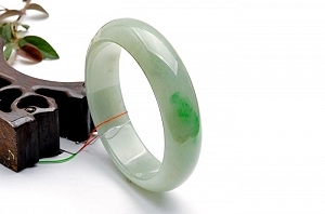 Rare Noble Ice Type Scattered Green Color Jade Bangle