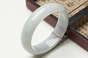 Wonderful Light Blue Grey Color Jade Bangle