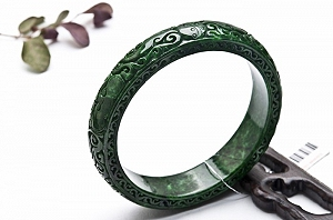 Wonderful Full Green Color Jade Bangle