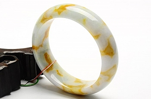 Wonderful Scattered Yellow Color Jade Bangle
