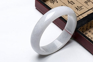 Wonderful Light Grey Color Jade Bangle