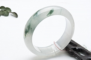 Rare Noble Ice Type Scattered Flower Jade Bangle