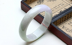 Charming Three Color Jade Bangle