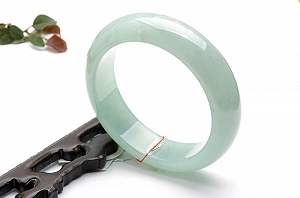 Rare Noble Ice Type Water Green Color Jade Bangle