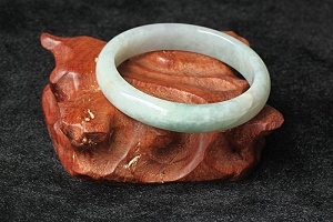 Scattered Flower Round Jade Bangle For Big Promotion Now