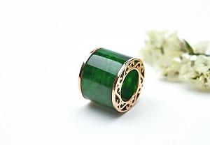 Wonderful Light Green Color Jade Pendant