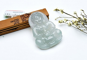 Wonderful Scattered Flower Jade Guanyin Pendant