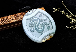 Wonderful Scattered Flower Jade Dragon Pendant