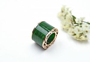 Wonderful Positive Green Color Jade Pendant
