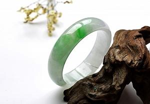 Wonderful Scattered Positive Green Color Jade Bangle