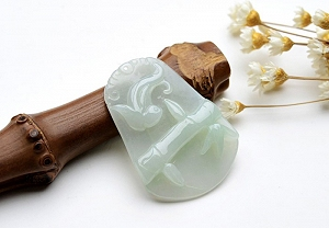 Wonderful Light Green Color Jade Pendant