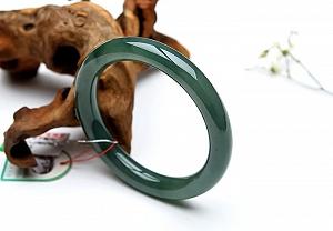 Special Oil Green Round Jadeite Jade Bangle
