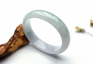 Wonderful Two Color Oval Jade Bangle