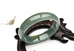 Oil Blue Oval Jadeite Jade Bangle