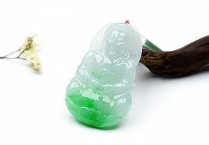 Charming Scattered Positive Green Color Jade Guanyin Pendant