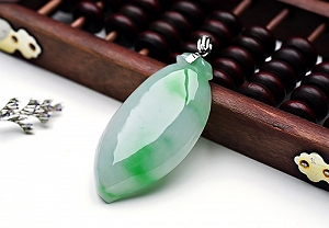 Wonderful Scattered Positive Green Color Jade Melon Pendant