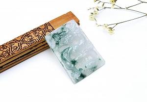Wonderful Scattered Flower Jade Dragon Pendant