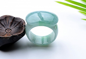 Charming Light Green Color Jade Ring