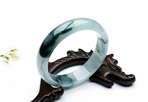 Scatter Flower Jadeite Jade Bangle